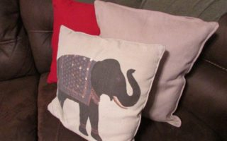 DIY No-Sew Pillow Makeover by the DIY Huntress