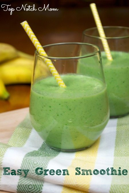 Easy Green Smoothie from Top Notch Mom as seen on Juggling Act Mama