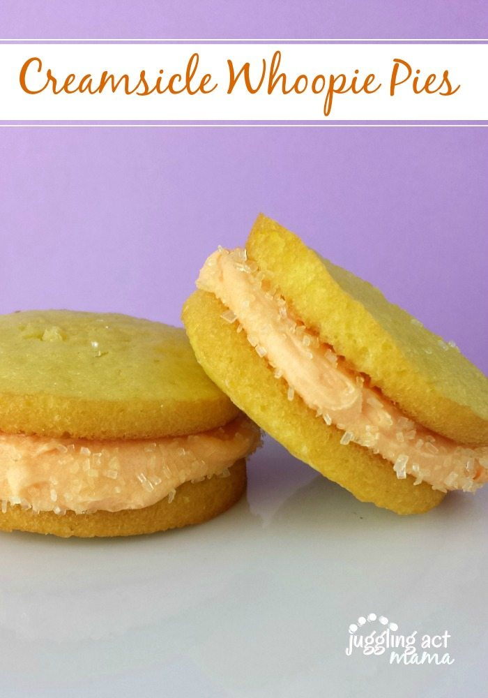 Creamsicle Whoppie Pies from Juggling Act Mama #creamsicle #whoopiepies via @jugglingactmama