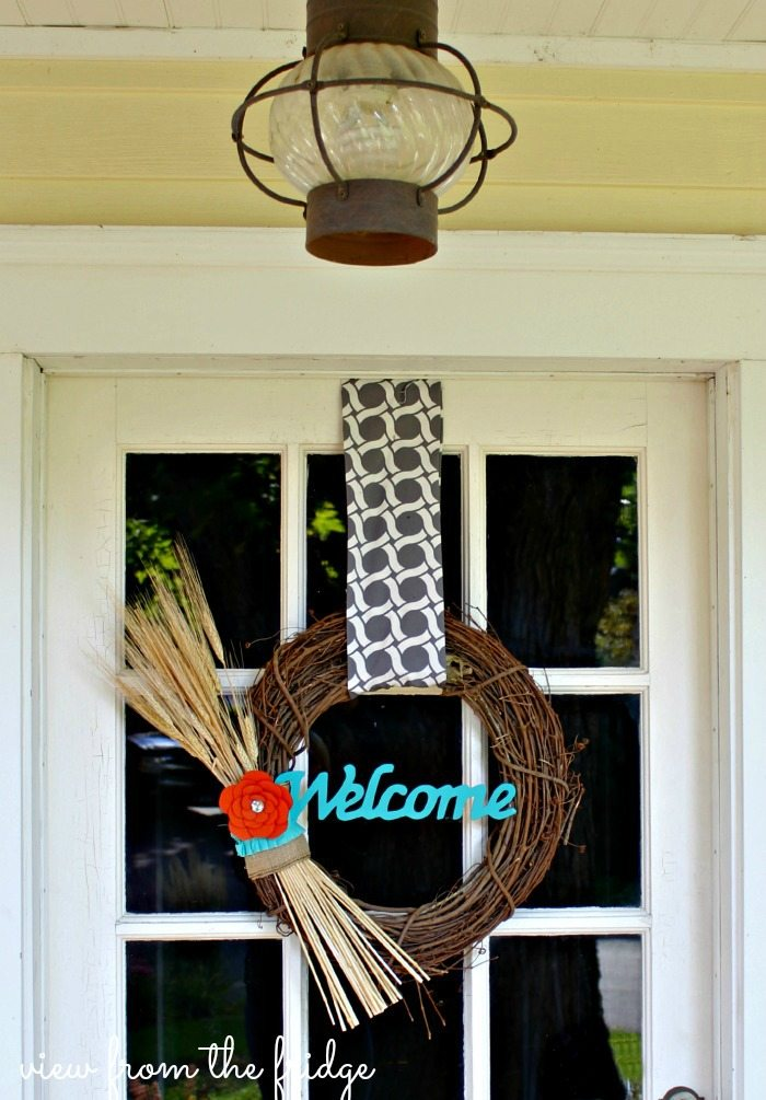 Easy 5 Minute DIY Fall Wreath | View From The Fridge for Juggling Act Mama