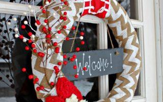 Easy DIY Holiday Wreath