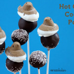 Make some Hot Cocoa Cookie Pops with the kids on the next snow day! Get the full tutorial on how to make them now!