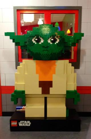 Lego Yoda -LEGO® Star Wars™ Days