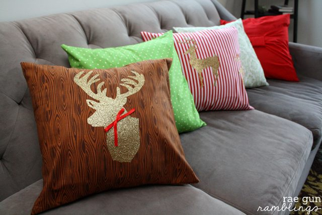 Christmas Deer Pillowcase Tutorial by RaeGun Ramblings