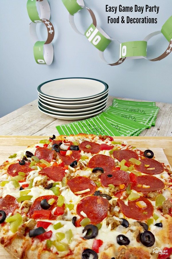 Tips on Easy Game Day Party Food and Decorations with@DiGiornoPizza #maketherightcall #CG #ad