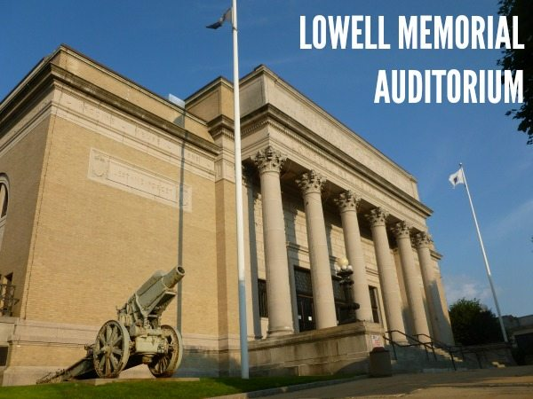 Lowell_Memorial_Auditorium;_Lowell,_MA;_north_and_west_(front)_sides;_2011-08-20