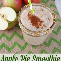 Apple Pie Smoothie with yogurt and oats #sponsored