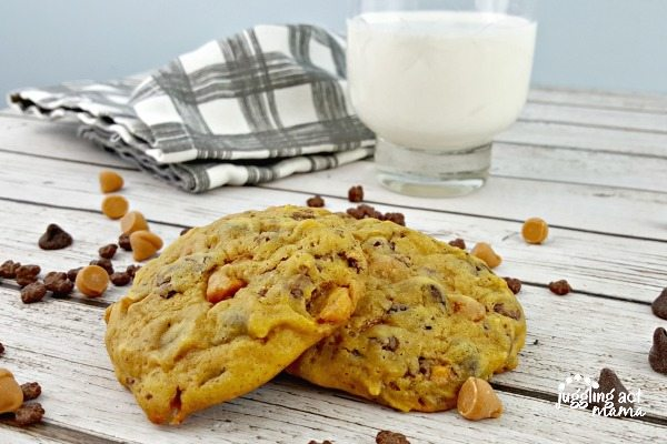 Pumpkin Butterscotch Chocolate Chip Cookies #sponsored #BakeHolidayGoodness