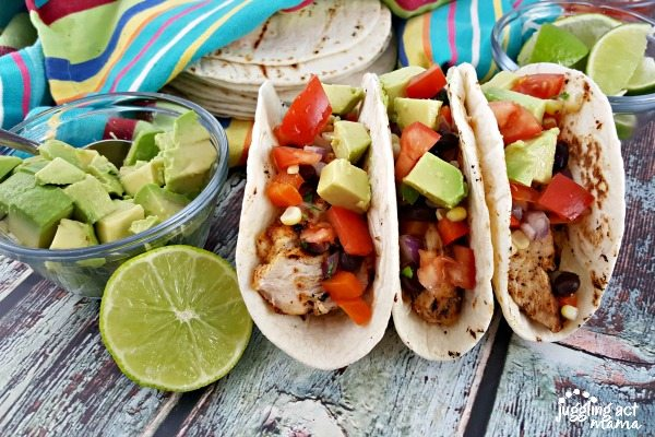 CHILI LIME CHICKEN TACOS - #TacoTuesday #ad