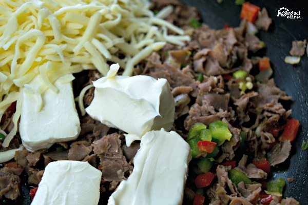 Delicious Philly Cheesesteak Dip