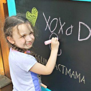 DIY Outdoor Chalkboard Project #tutorial #outdoorliving