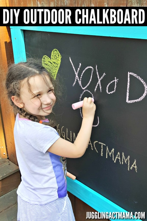 DIY Outdoor Chalkboard Project #tutorial #outdoorliving