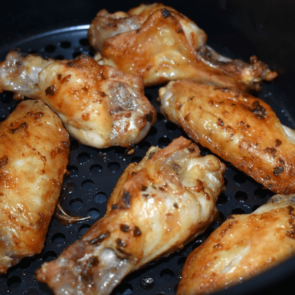 Easy Air Fryer Garlic Chicken Wings