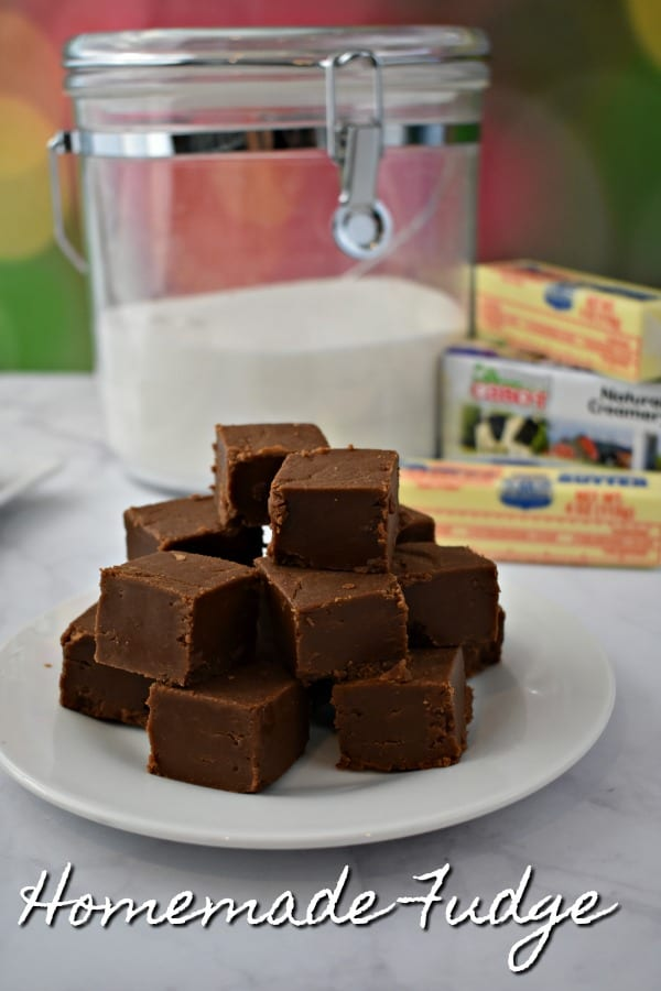 Moms Homemade Fudge #ad #Cabot #DixieCrystals #ChristmasSweetsWeek