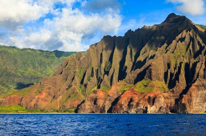 Amazing rugged mountains along the Na Pali coast of Kauai, Hawaii Islands.