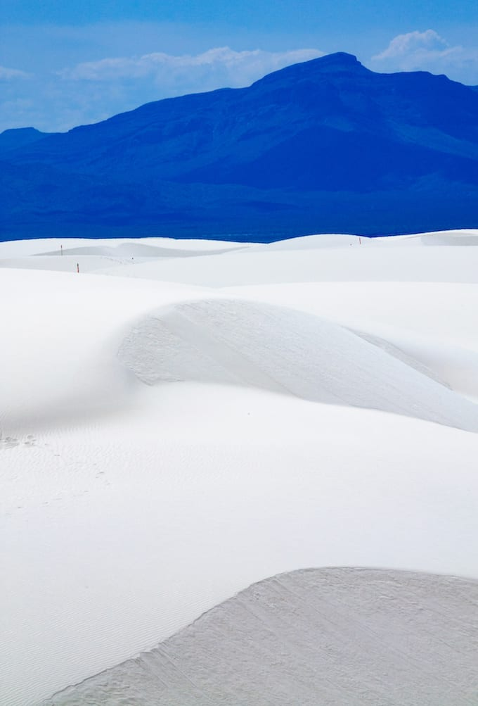 White Sands National Monument New Mexico - Glistening white dunes rise like waves. Sparkling like diamonds in the distance, White Sands is truly a national treasure! via @jugglingactmama