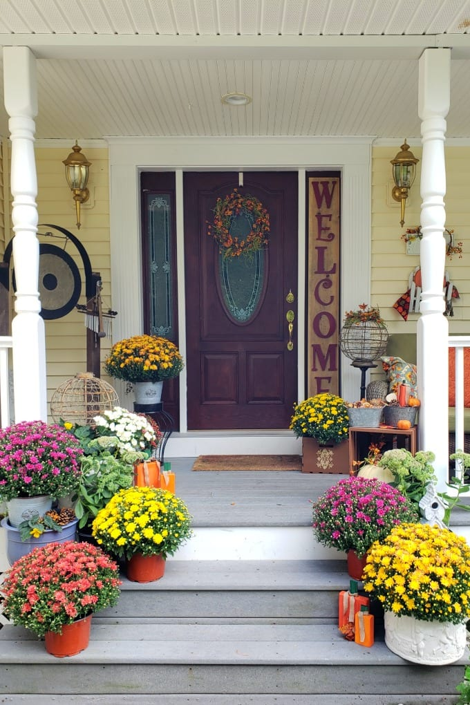 Fall Porch Decorating Ideas - Juggling Act Mama