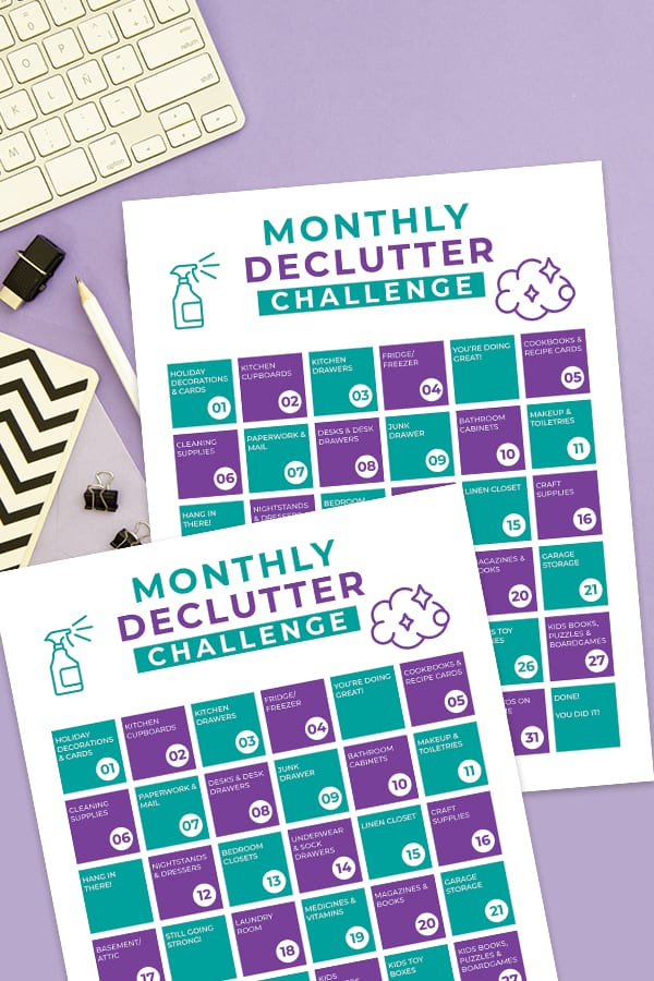 If you're feeling overwhelmed by clutter in your home then this 30-day declutter calendar is for you! Download the our 30 Day Declutter Calendar for free! via @jugglingactmama