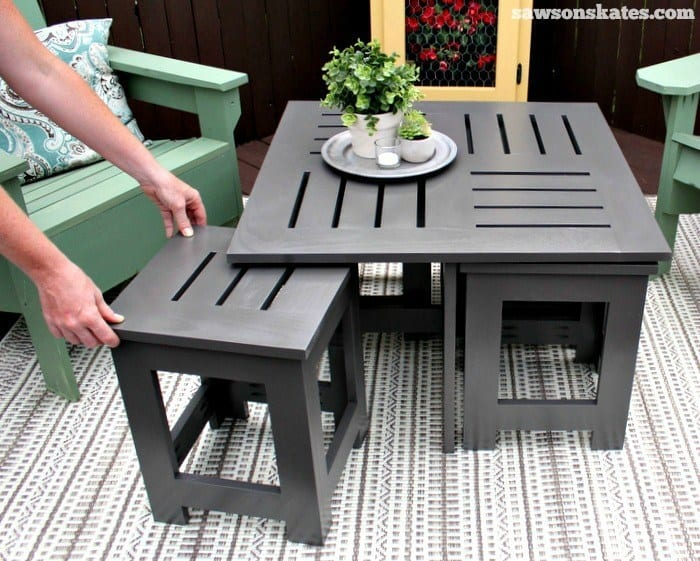 DIY Deck Furniture -  Outdoor Coffee Table with Hidden Side Tables from Saws on Skates