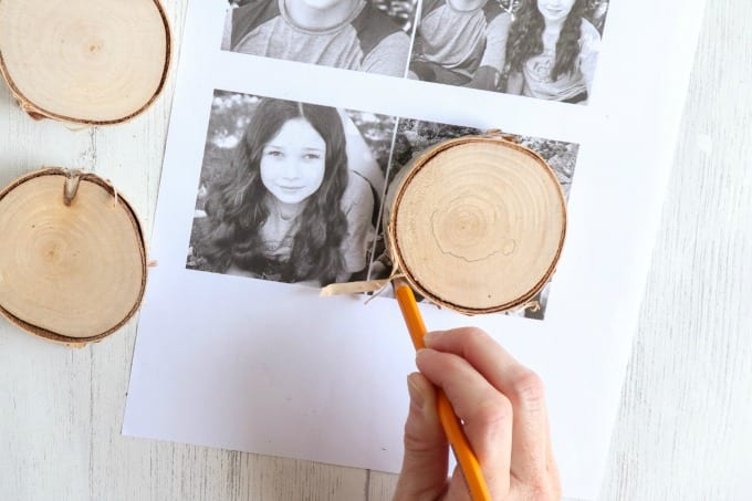 DIY Photo Ornaments tutorial, step by step instructions for creating this wood photo ornament craft.