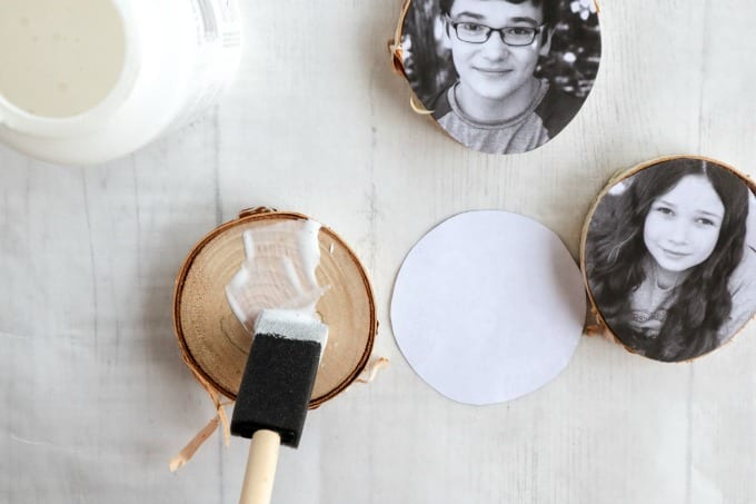Wood Photo Ornaments tutorial, step by step instructions for creating this wooden ornament craft using mod podge.