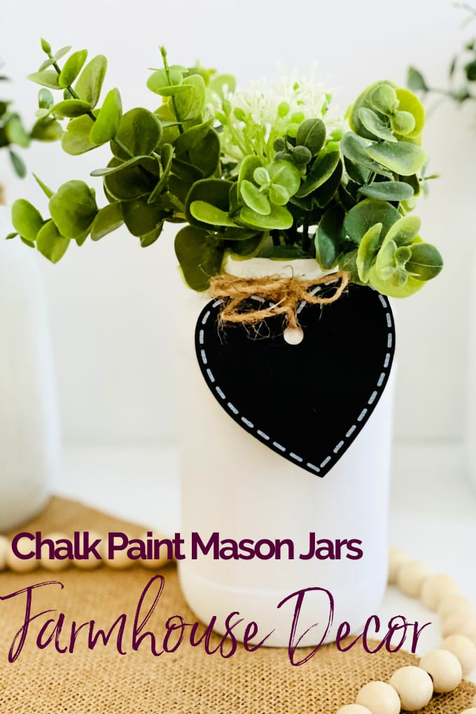 Chalk Paint Mason Jars - In this tutorial, we'll show you the easy way to create your own DIY farmhouse decor and How to Paint Mason Jars with Chalk Paint! via @jugglingactmama